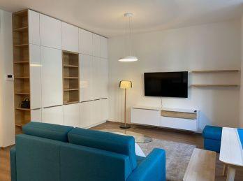 PROMINENT REAL prenajme pekný 2 izb. byt s balkónom na Palisádach.