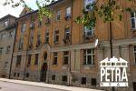 REZERVÁCIA : 2 izbový tehlový byt v centre mesta s dobrým potenciálom prerobenia na 3 izbový