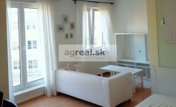 Mestský byt - otvorený apartmán 29,05 m2 - centrum BA, pri YMCE a trhovisku Žilinská