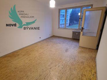 V centre mesta ponúkame na predaj 1 izbový byt v slušnej lokalite s loggiou na druhom poschodí