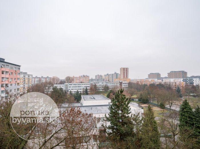 REZERVOVANÉ - JASOVSKÁ, 4-i byt, 92 m2 - 2x LOGGIA, rekonštrukcia PODĽA VLASTNÝCH PREDSTÁV, pokoj a zeleň