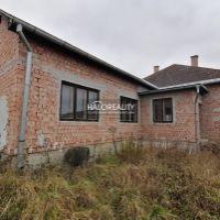 Rodinný dom, Leváre, 2900 m², Pôvodný stav