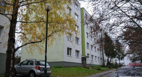 REZERVOVANÉ - NA PREDAJ - 3 izbový byt na Fadruszovej ulici s logiou