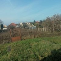 Pre rodinné domy, Madunice, 653 m²