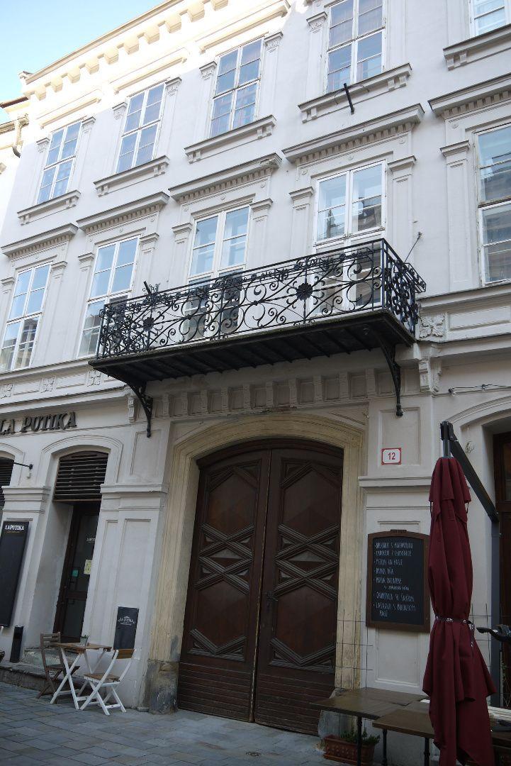 5-izbový a viac...-Prenájom-Bratislava - mestská časť Staré Mesto-1500.00 €