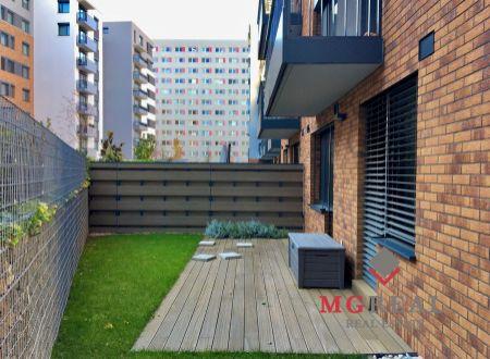 4i apartmán 90,3m2 + predzáhradka s terasou 111,80m2, Stein 2, Staré Mesto
