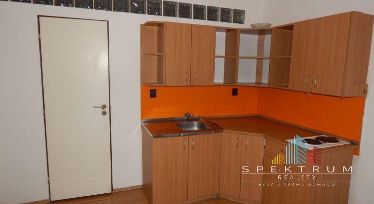 REZERVOVANÉ- Exkluzívne- Na Predaj 2-izbový byt 45.52 m2, Žiar nad Hronom