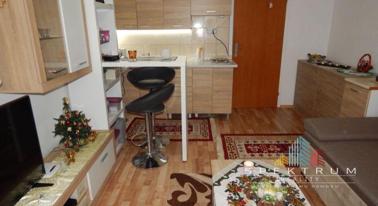 Na predaj garsónka s loggiou 23,2 m2- Žiar Nad Hronom