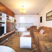 3 izbový byt, Bánovce nad Bebravou, 68 m², Čiastočná rekonštrukcia