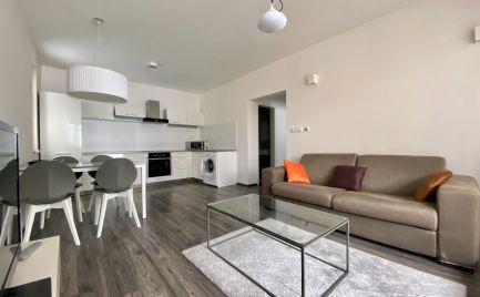 Exkluzívne na prenájom : 2izbový byt v NOVOSTAVBE s parkovacím miestom v centre Banskej Bystrice.