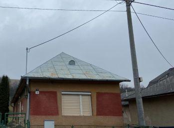 Na predaj rodinný dom s veľkým pozemkom 001-12-KAVA