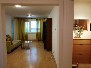 REZERVOVANÝ - Predaj  (Prenájom) sympatického 3 izb. bytu so špajzou, čiastočným zariadením, 74 m2, ihneď k dispozícii, Gazdovský rad, centrum