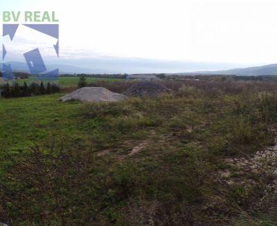 REZERVOVANÝ Na predaj pozemok 610 m2 na rodinný dom Nitrianske Pravno 70178