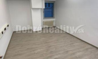 Na prenájom obnovené priestory vhodné na kancelárie alebo služby v centre Rimavskej Soboty