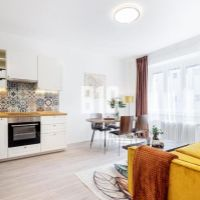 4 izbový byt, Bratislava-Nové Mesto, 76 m², Kompletná rekonštrukcia