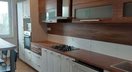 Kuchárek - real:  predaj 3 iz. bytu po kompl. rekonštrukcii na ul. Rovniankova - Bratislava - Petržalka