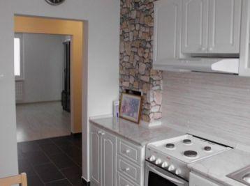 Prenájom 3 izb.bytu s veľkou pivnicou, na 1.posch., 67m2byt + 9m2pivnica, Dunajská ulica