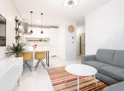 Na prenájom útulný 2 izbový byt s loggiou a garážovým státím v novostavbe Pri Mýte