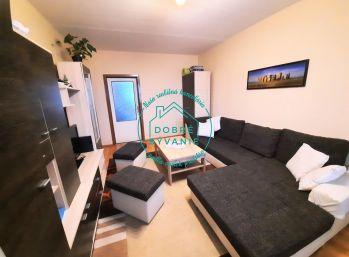Ponúkame na predaj veľký 3 izbový byt na sídlisku Juhu