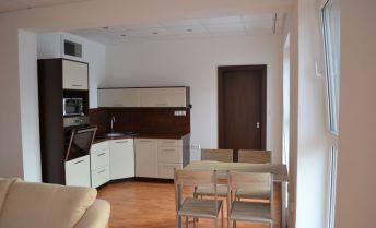 Prenájom moderného 2 i bytu v centre mesta Zvolen