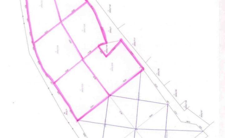Ponúkame na predaj stavebný pozemok v obci Veľké Uherce