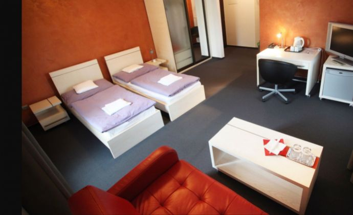 Ponúkame dlhodobé stabilné ubytovanie v hotelovom komplexe za cenu garsónky