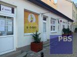 --PBS-- ++NA PRENÁJOM obchodný / kancelársky priestor v centre mesta s výkladom za BEZKONKURENČNÚ CENU++