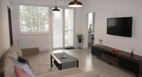 Na prenájom novozariadený 3 izb. byt po komplet rekonštrukcii, klimatizácia, alarm, parkovanie, Piešťany ul. Javorová
