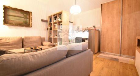 1 - izbový útulný, čiastočne prerobený byt 41,5m2, balkón, vlastná predzáhradka 20m2 - Ľ. Fullu - Dlhé Diely