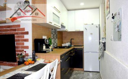 DMPD real Vám ponúka na predaj kompletne zariadený 1-izbový byt v meste Nováky.
