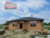 REALFINANC - 100% aktuálny 4 izbový Rodinný Dom, BUNGALOV + prístrešok pre auto, Novostavba, zastavaná plocha 135 m2, pozemok 577 m2, Tureň !!!