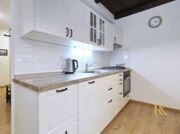 PRENÁJOM 3 izbový zariadený ešte neobývaný byt po rekonštrukcii na ulici Včelárska v Ružinove