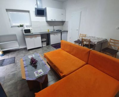 Na prenájom 2 izbový byt 52 m2 Čereňany okres Prievidza FM1002