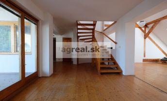 4-izb. mezonetový byt s veľkou terasou v centre – Kozia ul.
