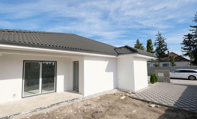 Posledný voľný skolaudovaný dom v TOP kvalite www.byvanievieska.sk