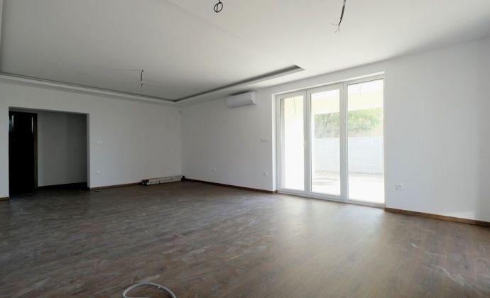 SKOLAUDOVANÝ 4-izbový RD 140 m2 v bohatom štandarde
