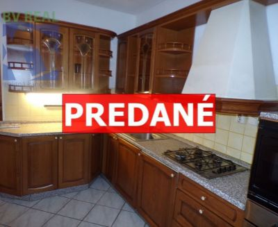 EXKLUZÍVNE Na predaj 3 izbový byt 71 m2 Prievidza sídlisko Zapotôčky FM1003