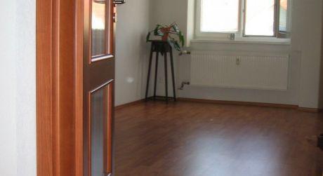 NA PRENÁJOM šikovný byt vo výbornej lokalite s rýchlym dosahom do centra mesta - Mýtna ulica