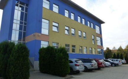 Na prenájom klimatizovaná kancelária s výmerou 39,42 m2 na Slovnaftskej ul.