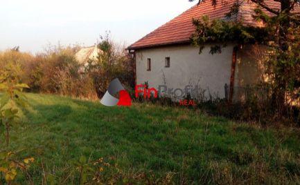 Predám rodinný dom v obci Prašice v blízkosti rekreačného strediska Duchonka.