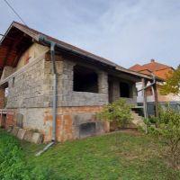 Rodinný dom, Hurbanovo, 180 m², Vo výstavbe