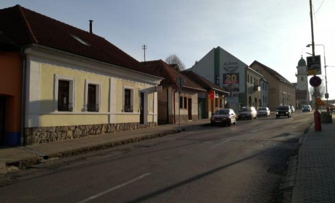 Na prenájom - Ubytovacie priestory v centre mesta Bojnice s vlastným parkovaním