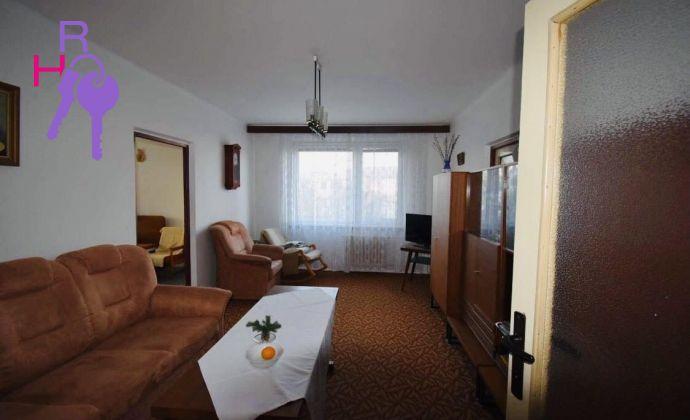 Veľký 3 izbový byt, nízke nájomné, kopec zelene.