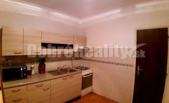 Exkluzívne na predaj 3-izbový byt v Nových Zámkoch.