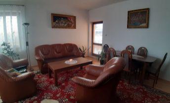Ponúkame vám pekný 4 izb RD v obci Komjatice.
