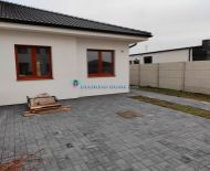 DIAMOND HOME s.r.o. ponúka Vám na predaj exkluzívny 4izbový rodinný dom (dvojdom) neďaleko od Dunajskej Stredy v obci Veľké Blahovo!