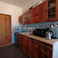 4 izbový byt, Tisovec, 90 m², Čiastočná rekonštrukcia