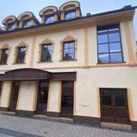 Rodinná vila, Banská Bystrica, 550 m², Kompletná rekonštrukcia