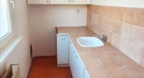 Na predaj 2 izbový byt v Záturčí s loggiou