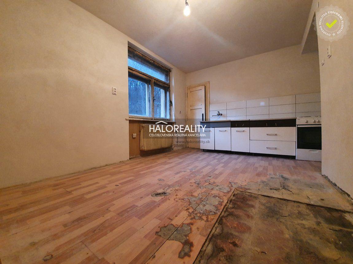 3-izbový byt-Predaj-Hnúšťa-15500.00 €